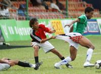 この画像は、サイトの記事「第33回全日本少年サッカー大会 2009 ハイライト 動画名場面感動シーン総まとめ」のイメージ写真画像として利用しています。