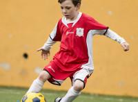 この画像は、サイトの記事「少年サッカー 練習メニュー 動画でレッスン YouTubeサッカー学習講座(無料)!」のイメージ写真画像として利用しています。