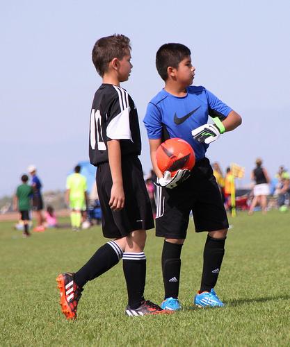 この画像は、サイトの記事「小学生 少年サッカー 『バディーSC』 おすすめ YouTubeスポーツ視聴無料動画 まとめてご紹介!」のイメージ写真画像として利用しています。