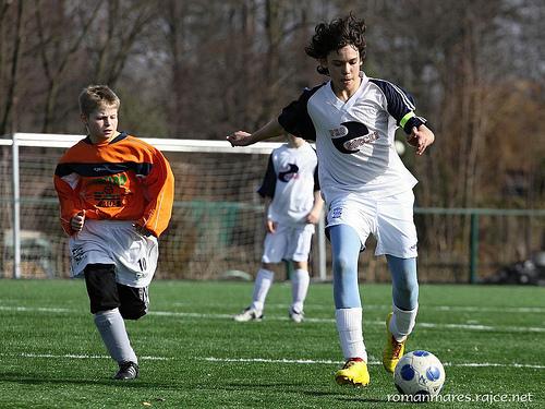 この画像は、サイトの記事「小学生 少年サッカー 『セレッソ大阪U-12』 おすすめ YouTubeスポーツ視聴無料動画 まとめてご紹介!」のイメージ写真画像として利用しています。